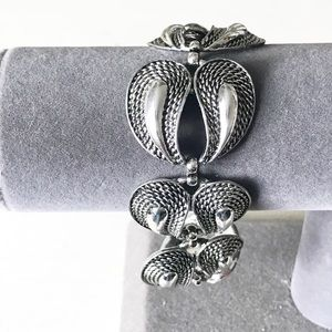 ALICE CAVINESS Vintage Texture Wing Link Bracelet